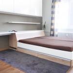 Ložnice bytu v Ostravě-Porubě. Dle návrhu realizovala firma Tauer Habitat.