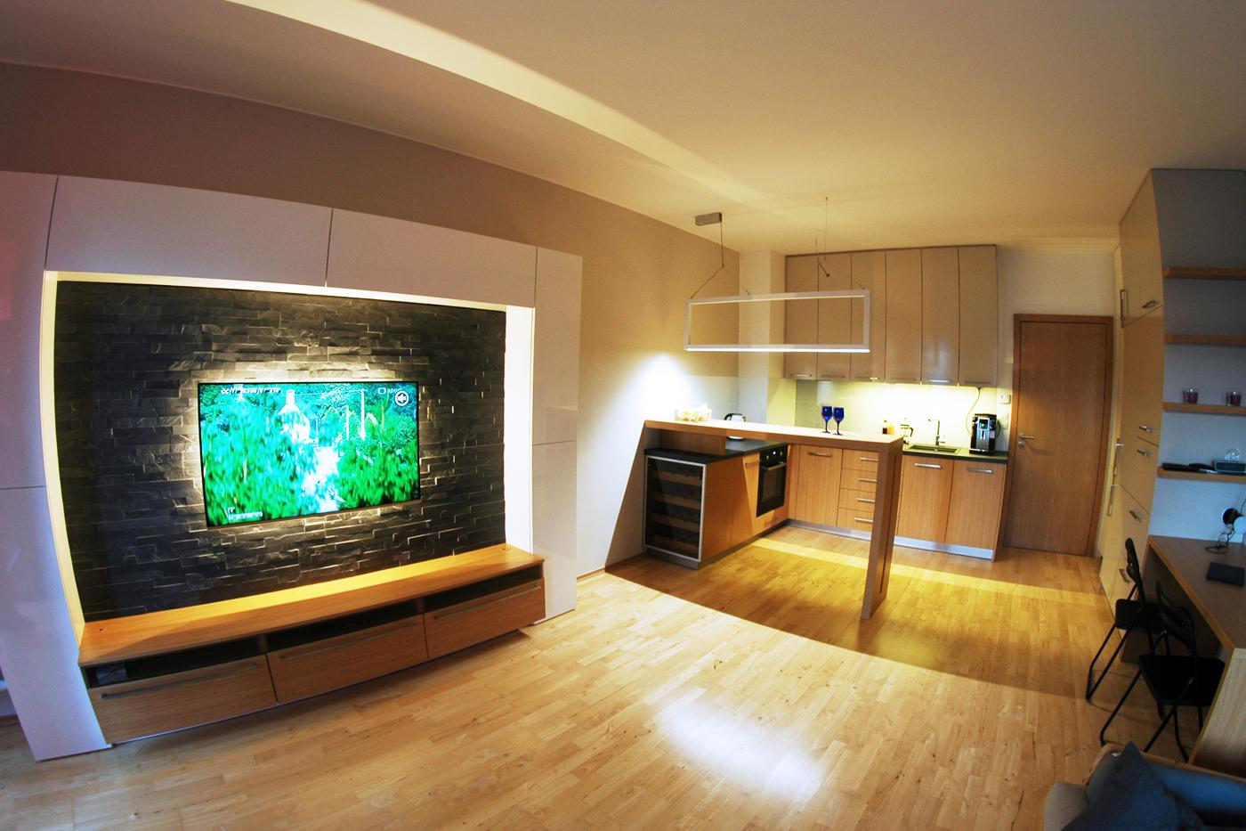 Obývací pokoj s kuchyní v centru Ostravy.