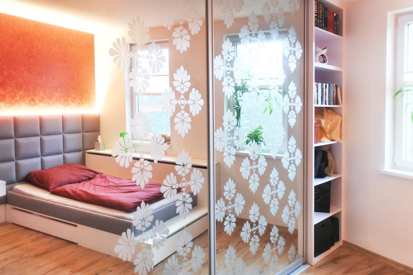 Postupná realizace interiéru rodinného domu v Bohumíně se zatím završila dámským budoárem.