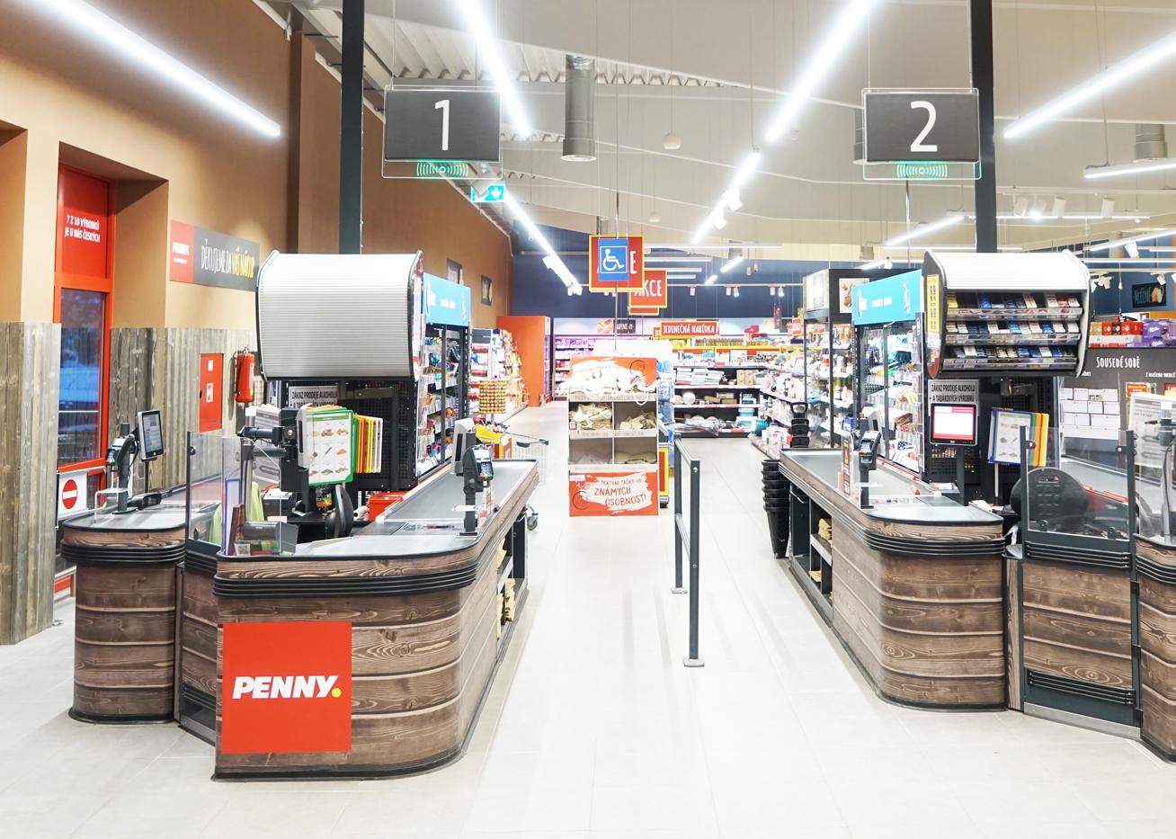 AM Floor system - spodní část mechaniky je zabudovaná do podlahy a horní část je nad ní zavěšena. Penny Praha.